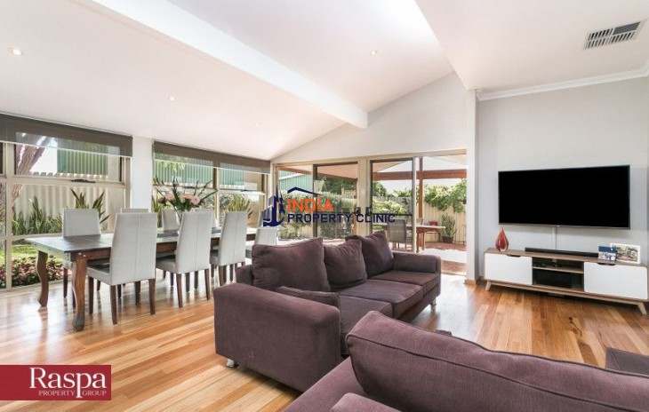 4 Bed Home For Sale in Coogee WA