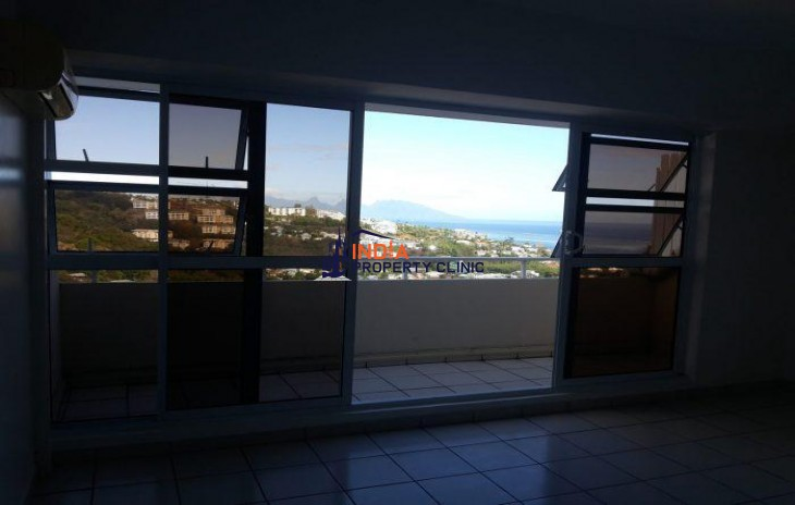 3 Room Luxury Flat for sale in Papeete