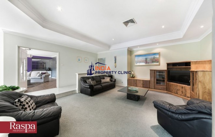 Executive Home For Sale in Coogee WA